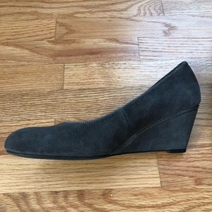 Women's Gray Suede Wedges